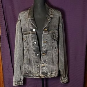 Harley Davidson denim Jacket. RARE Edgy stonewash